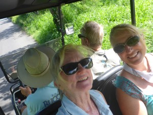 Robin and Tammy in the carrito